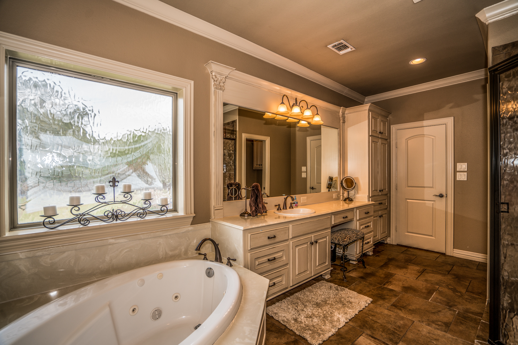2105-McDade-Longview-TX-75605-Yumba Real Estate Photography in Longview Texas