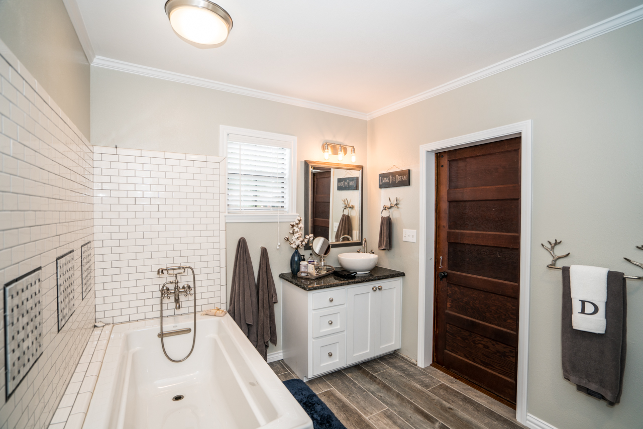 22549 Cherry Ln - Yumba Real Estate Photography in Longview, TX